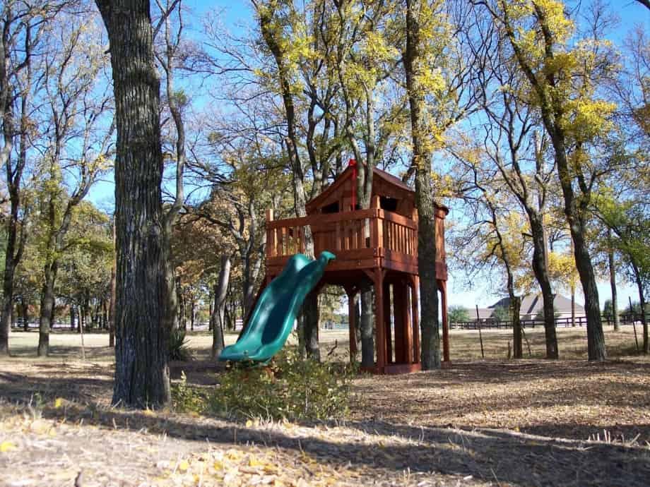 Fort Stockton tree deck