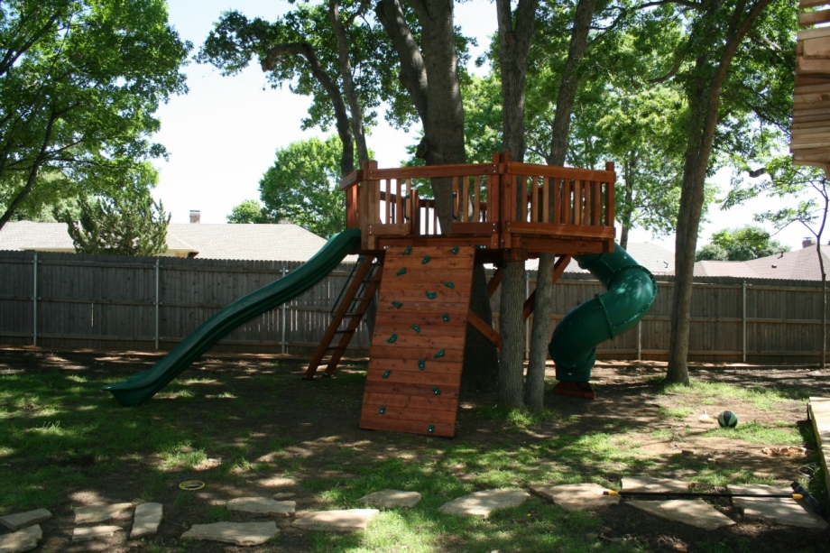 Tree Deck with slide accessories
